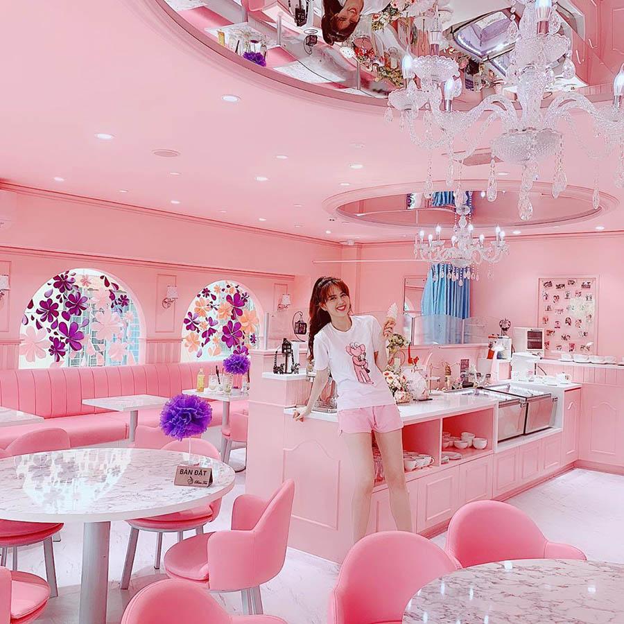 Quán cafe sinh viên màu hồng